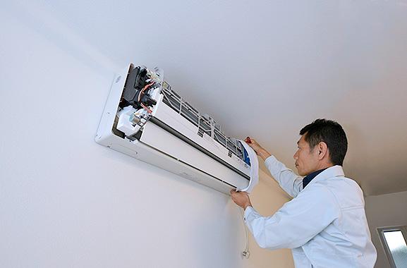 株式会社エアコンカバーサービス エアコン洗浄シート取り付け方(2)